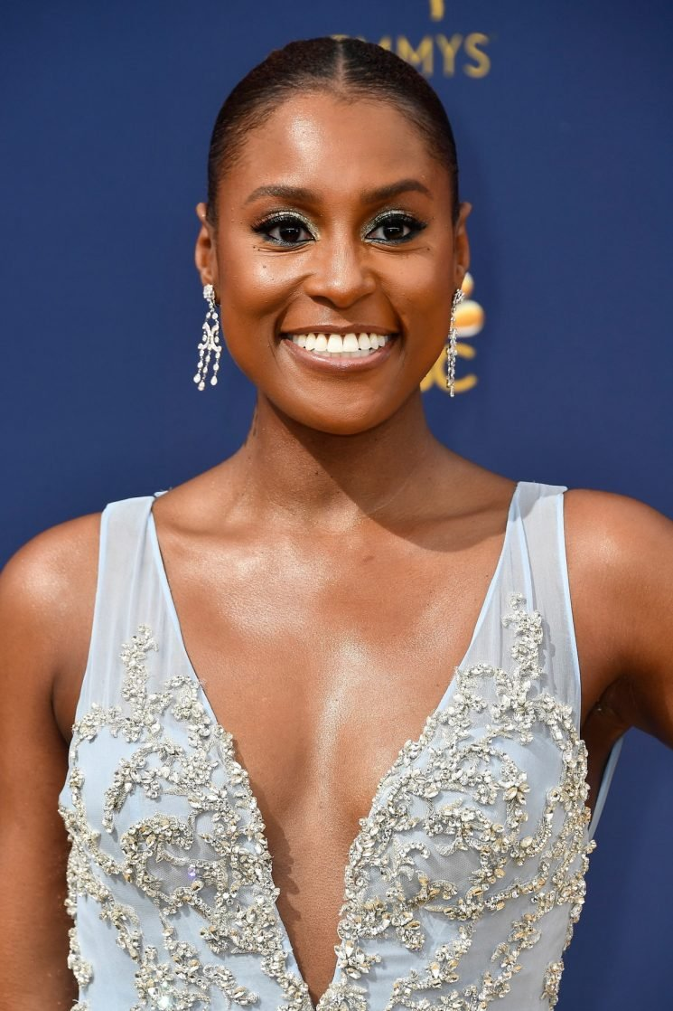 Issa Rae's 2018 Emmy Awards Look Has Over 3,000 Crystals, Because She Shines Bright