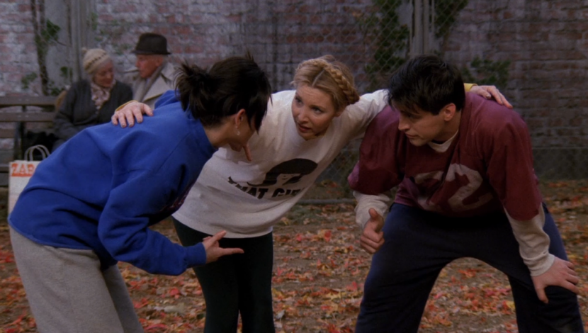 12 'Friends' Episodes To Watch If You're Obsessed With The Fall Season