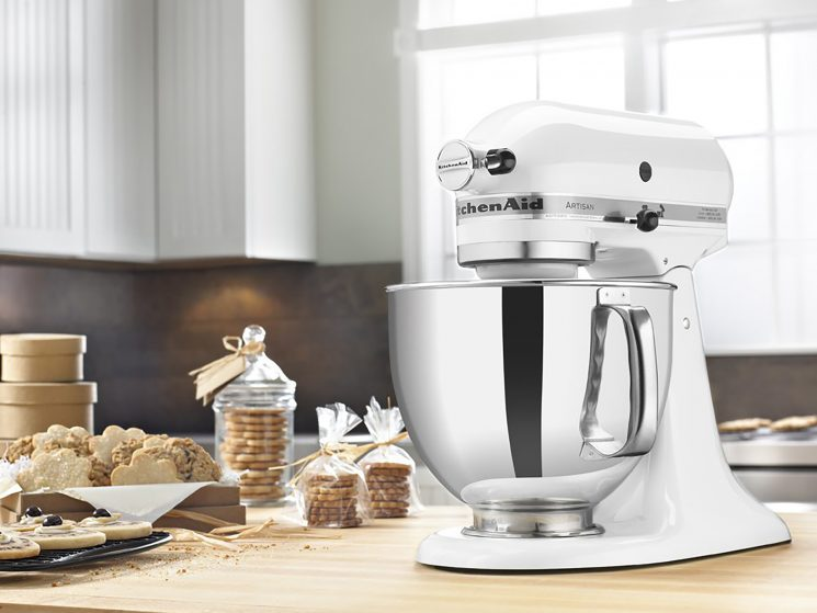 KitchenAid Stand Mixers Are Under $200 (That's Nearly 40% Off!) at Amazon Right Now