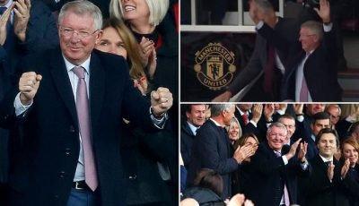 Sir Alex Ferguson receives rapturous applause on Old Trafford return