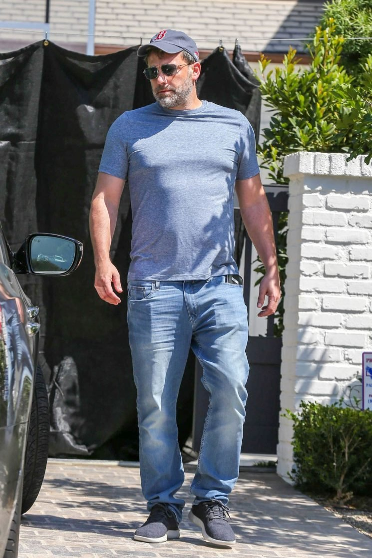 Ben Affleck has been going home from rehab every day, lent Shauna Sexton his car