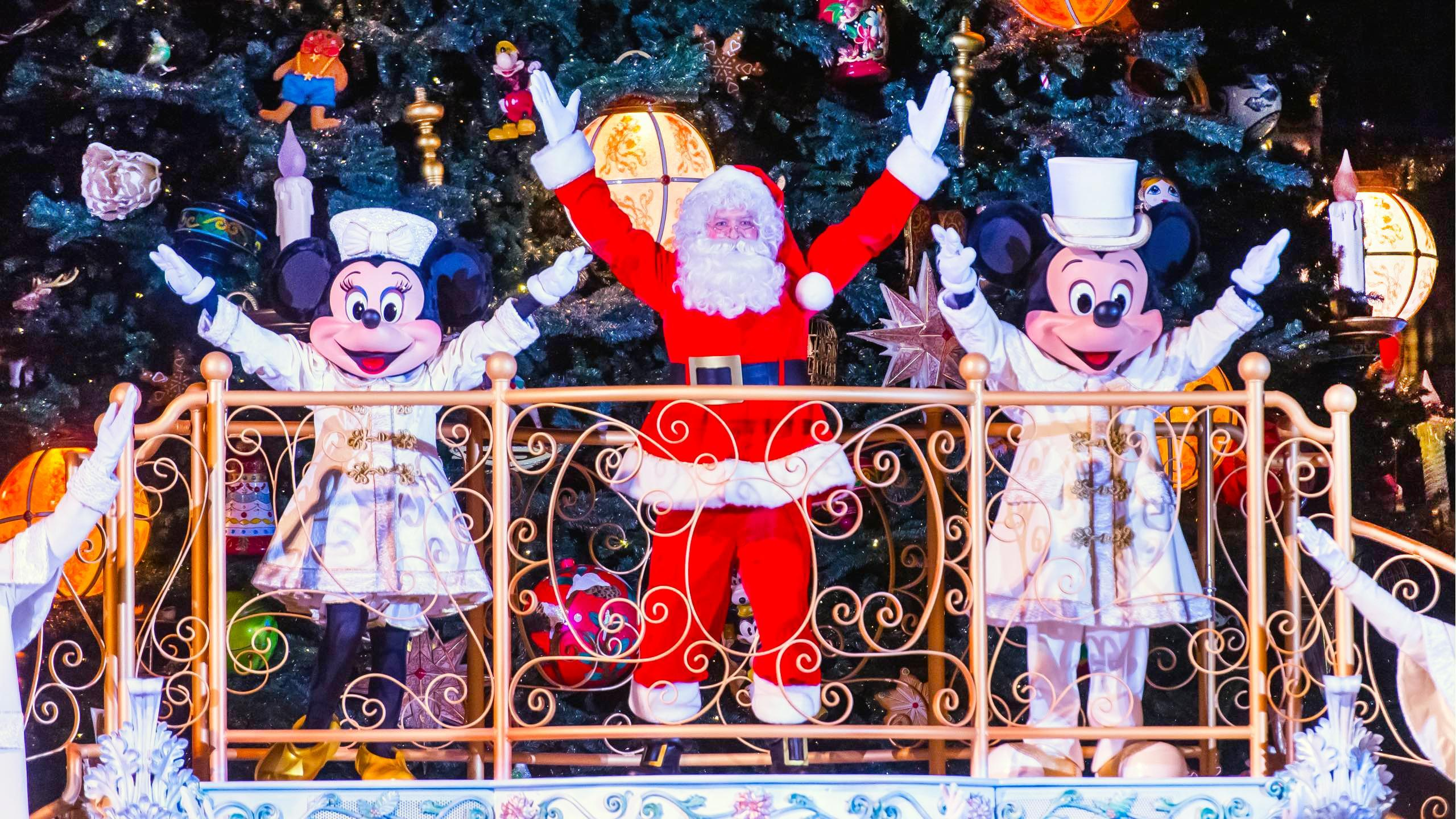 disneyland paris trips this christmas from 129pp including train and hotel and park tickets