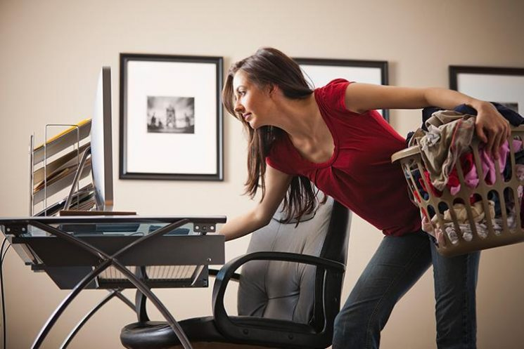 It turns out women AREN'T any better at multitasking than men, according to science