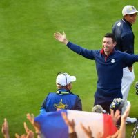 Ryder Cup 2018: Team Europe warm-up for first tee with huge 'Thunderclap' with fans