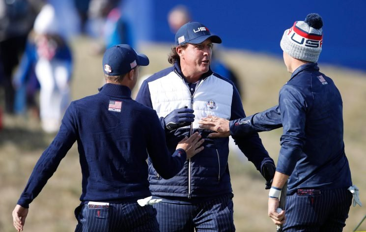Ryder Cup 2018: Jordan Spieth and Justin Thomas rub Phil Mickelson's belly for good luck