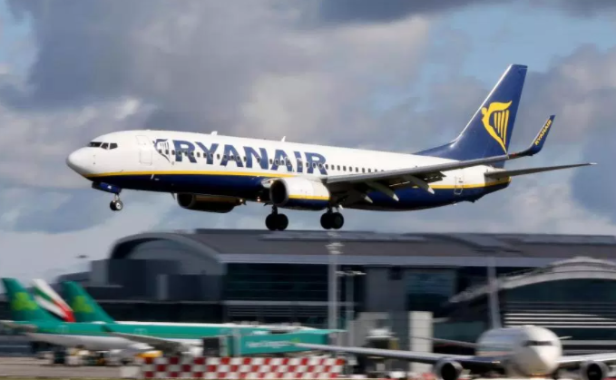 Ryanair call police to deal with 6ft 2in passenger who refused to pay £17 drinks bill after being denied £20 extra legroom seat he paid for