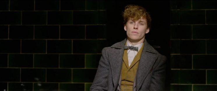 'Fantastic Beasts 2': Watch Wizarding, Human Worlds Collide in Final Trailer