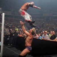 WWE News: Rey Mysterio finally signs a contract to return to the WWE
