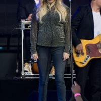 All the Details on Pregnant Carrie Underwood's Maternity Skinny Jeans — and Cute Ankle Boots!