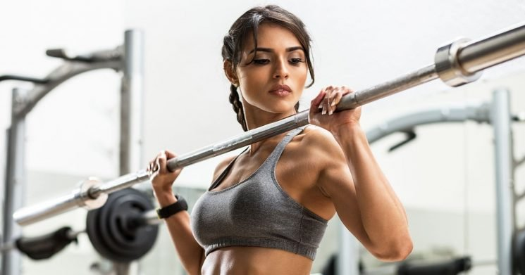 This Fitness Star'sSide-by-Side Photos Show How Misleading Instagram Can Be