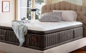 I Am Obsessed With This Mattress That Conforms to Your Body