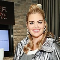 Kate Upton Reveals 3 Easy Body Weight Exercises That Work For Her & Her Pregnancy Cravings