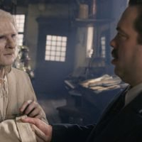 Fantastic Beasts: The Crimes of Grindelwald gives us a brand new look at Nicolas Flamel