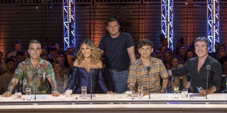 "X Factor's Dermot O'Leary describes Robbie Williams as a ""born judge"""