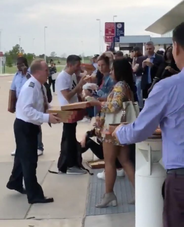 American Airlines Pilot Orders 40 Pizzas for Passengers Whose Flight Was Diverted Due to Storm