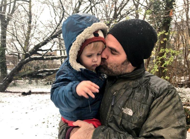 Rob Delaney Recalls Son Henry's Death inHeartbreaking Essay to Fellow Parents of Sick Children