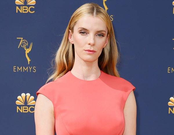 Betty Gilpin Talks GLOW Season 3, Alison Brie & Emmys Reaction