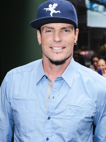 Vanilla Ice Feeling Fine After Being Quarantined on Emirates Plane Struck by Mysterious Illness