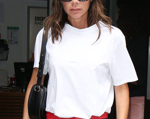 Victoria Beckham admits she was 'never the popular girl' in candid chat