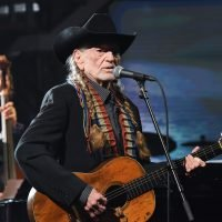 See Willie Nelson Sing Frank Sinatra's 'Summer Wind' on 'Colbert'