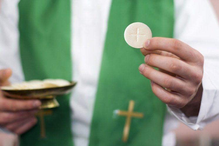 South Carolina churches to offer gluten-free Communion bread