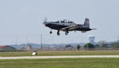 T-6 Texan trainer crashes in Texas; pilots eject safely