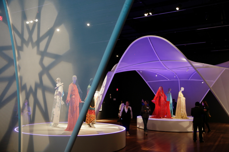 San Francisco museum shows off modern Muslim women's fashion