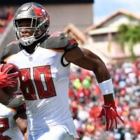 Eagles can't catch up to red-hot Ryan Fizpatrick, Buccaneers