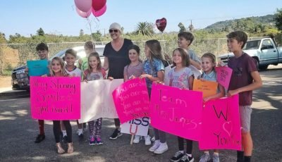 Students surprise teacher on last day of chemo, 'I'm extremely grateful,' she says