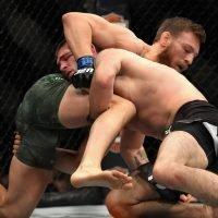 Daniel Cormier reveals why McGregor will never beat Khabib