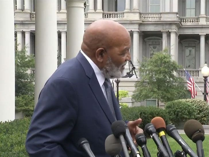 Jim Brown Defends Kanye's White House Visit Says It Was 'Very Postitive'