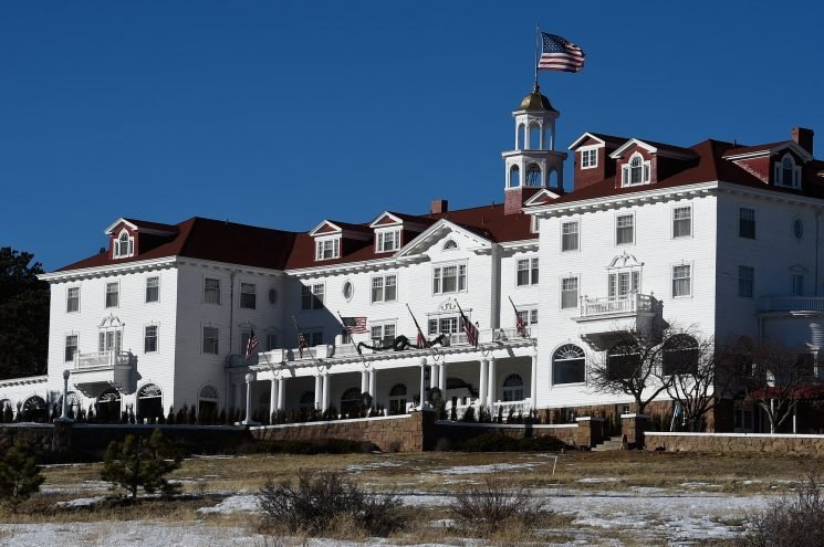 7 Haunted Hotels That Will Totally Give You the Creeps