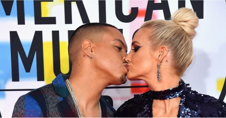Ashlee Simpson and Evan Ross's Red Carpet Smooch Will Make You Believe in Love Again
