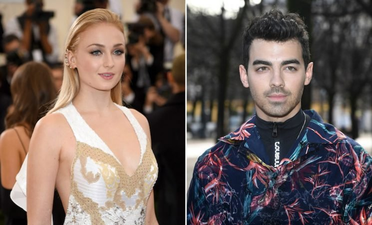 These Photos Of Joe Jonas & Sophie Turner's Red Carpet Debut Were A Long Time Coming