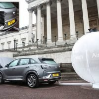 Eco-friendly fuel cell car which filters dirty air into a balloon