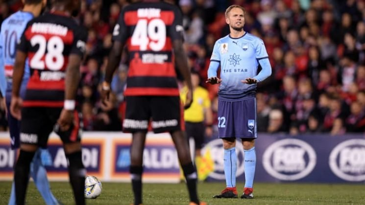 More to come from Sydney's dead-ball specialist de Jong