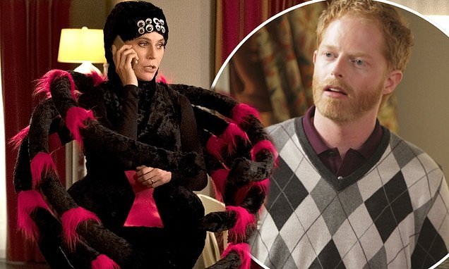 Modern Family opens Halloween episode with death of MAJOR character