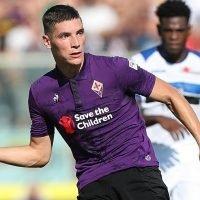 Manchester United make £50m bid for Fiorentina star Milenkovic