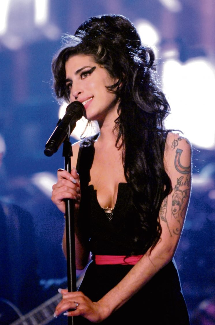 Tragic Amy Winehouse lined up for controversial world tour as a hologram