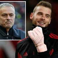Manchester United set to extend David de Gea's contract six months early if goalkeeper fails to agree new deal by January