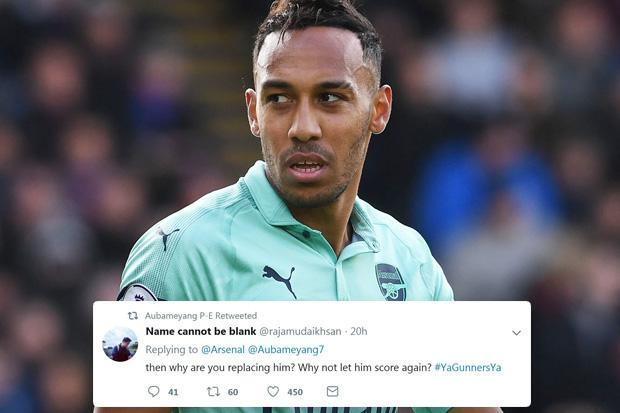 Arsenal star Pierre-Emerick Aubameyang takes social media swipe at Unai Emery after being subbed off in draw with Crystal Palace