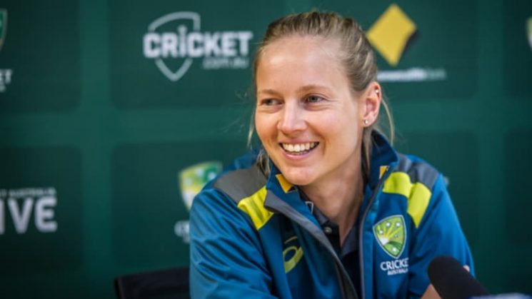 Australian fans ride on the bus with Meg Lanning