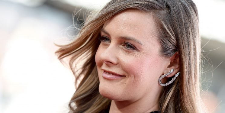 Alicia Silverstone Literally Eats Blanched Kale For Breakfast