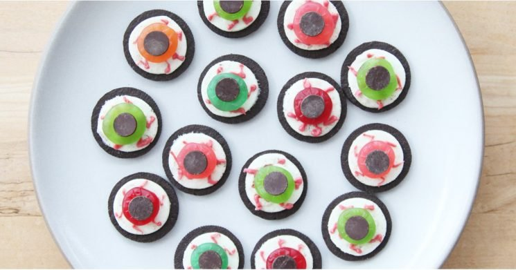 Halloween Desserts Don't Get Much Easier to Make Than These Oreo Eyeballs