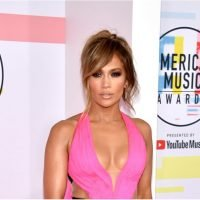 Forget Pretty, Jennifer Lopez Is a Red Carpet Queen in Pink