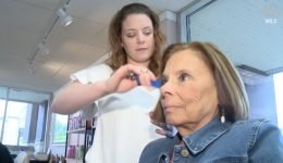 Hair Stylist Finds Stage 4 Breast Cancer on Client's Scalp: 'I Was Devastated'