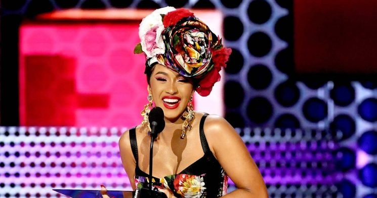 AMAs 2018: Cardi B Thanks Husband Offset and Daughter Kulture