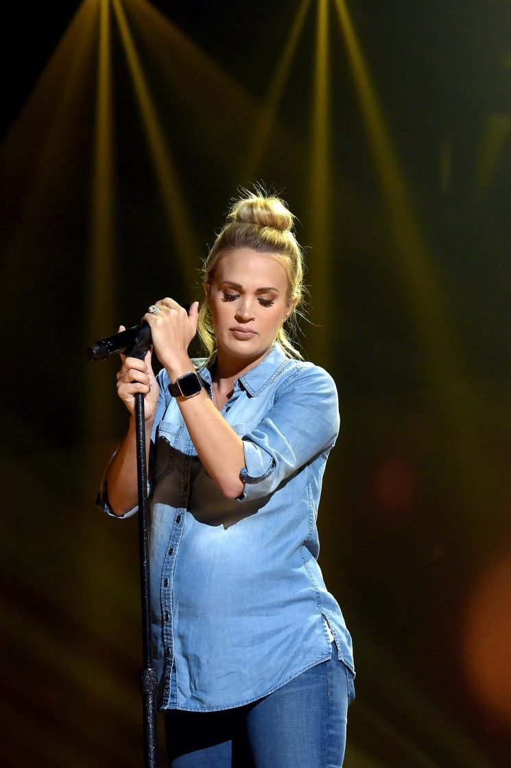 Pregnant Carrie Underwood Shows Off Growing Baby Bump in Casual Denim While Rehearsing for AMAs