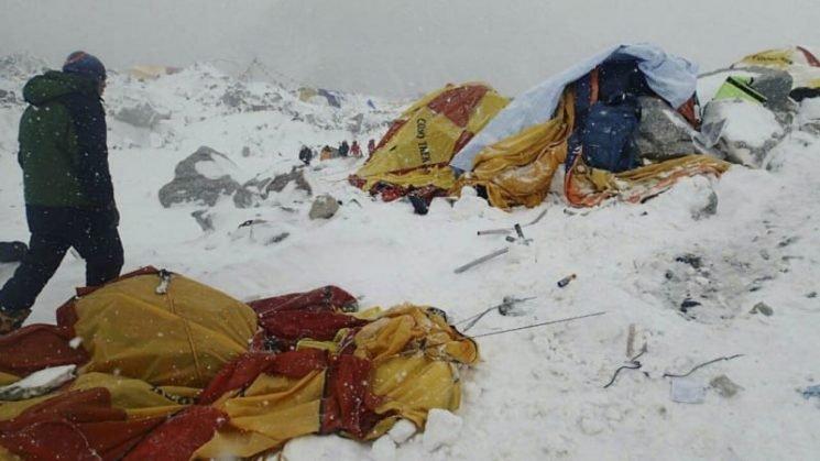 Snowstorm kills several climbers in Nepal