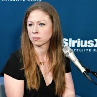 Chelsea Clinton fights cyberbullying by answering trolls